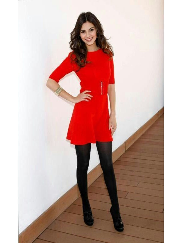What Is The Best Color Hosiery With Red Dress And Black Shoes Quora
