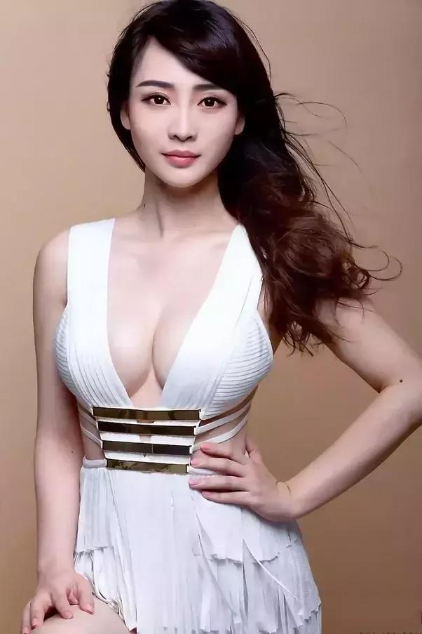 Half asian white actors dating 2