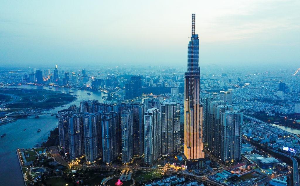 Q: Là một người Trung Quốc, bạn nghĩ gì về tương lai của nền kinh tế Việt Nam so với các nước Đông Nam Á khác? 42
