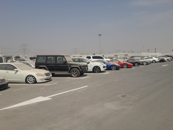 What happens to all the abandoned cars in Dubai? Can I