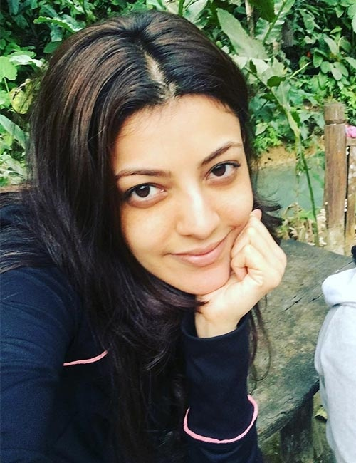Which Bollywood Actress Looks Beautiful Without Makeup