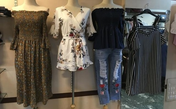 1b81c5afd66a32 You will find great western dresses, pencil skirts, palazzo and tops. There  are lots of other shops. Check out the collection and remember to bargain  well!