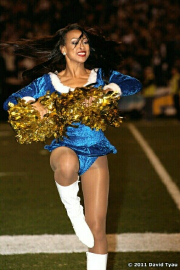 Cheerleader wearing pantyhose