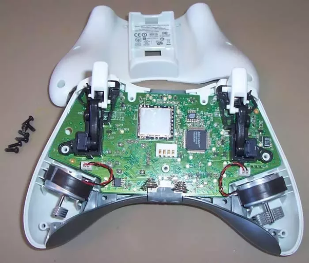 How do Xbox controllers know when to vibrate? - Quora