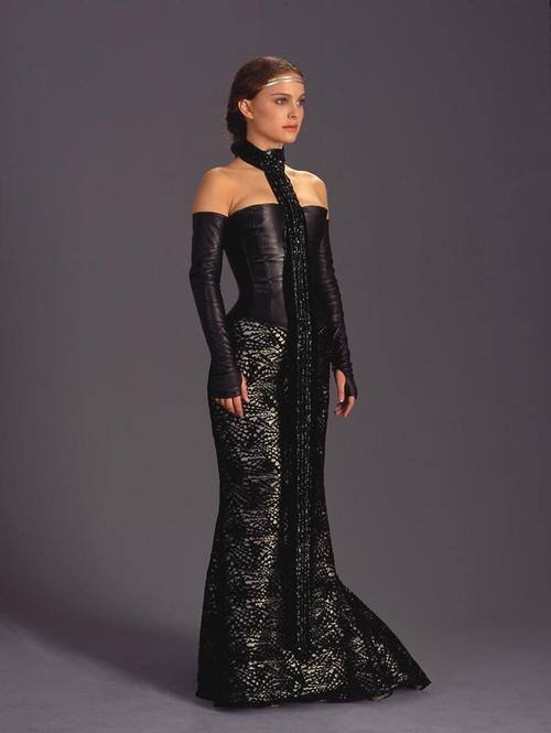 Girls donu0027t know what they want.  sc 1 st  Quora & Why was Padmé wearing a revealing leather dress when trying to ...