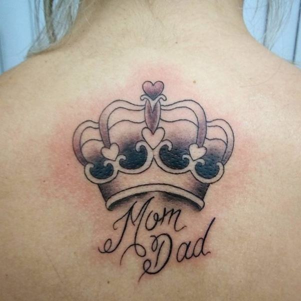 What Are Some Crown Tattoo Designs?