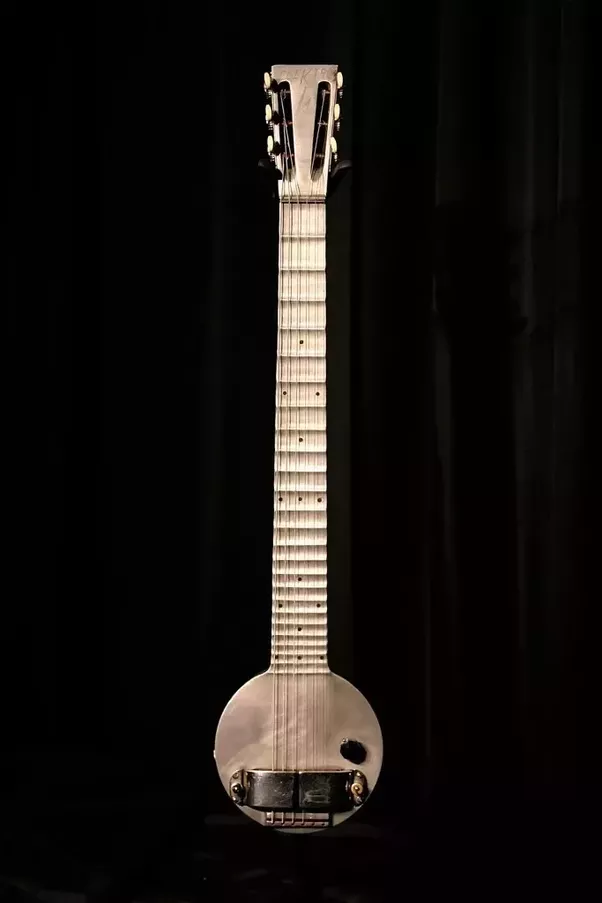 what is the earliest electric guitar recording ever made quora. Black Bedroom Furniture Sets. Home Design Ideas