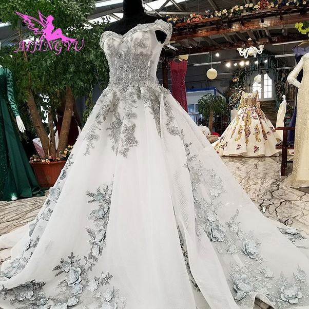 Would you buy a wedding gown online? - Quora