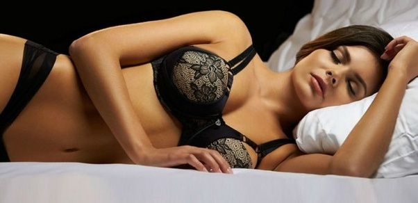 Wearing a bra to sleep causes breast cancer