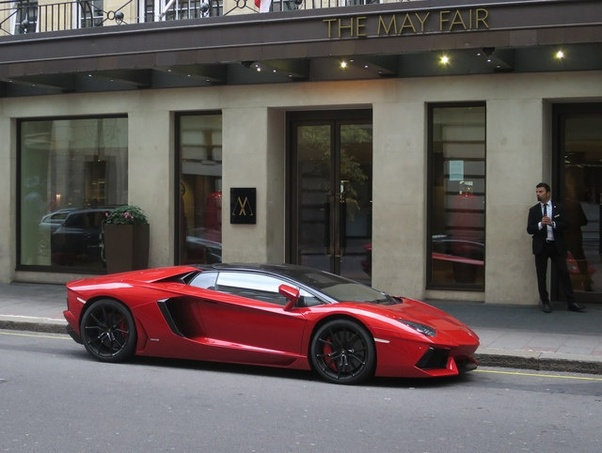 Which Car Is Better The Lamborghini Aventador Or The Ferrari F12