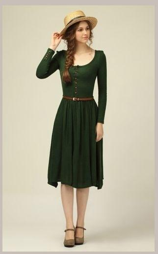 What color shoes go with dark green dress