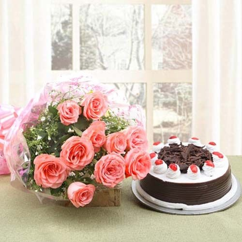 This Pink Roses Combo Is A Symbol Of Happiness And Perfect Suited For Any Celebration Engulf Into Ever Ending Journey Taste Savory With