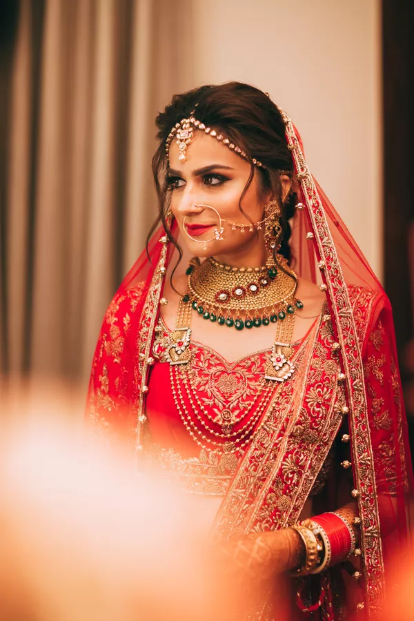 What are some Indian wedding hairstyles for brides? - Quora