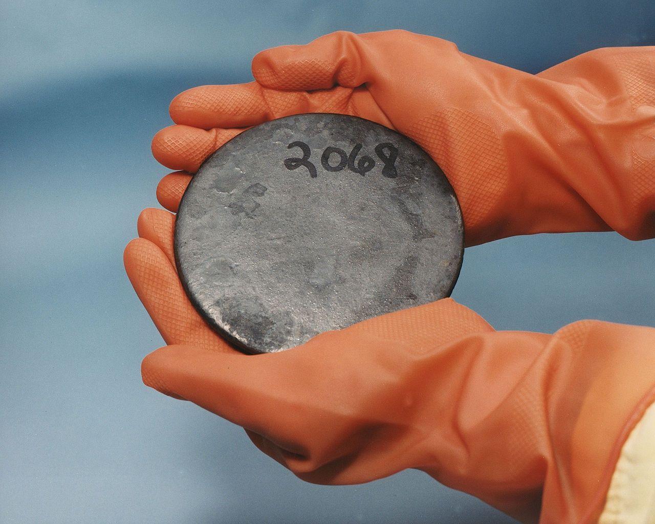 Carbon dating Hiroshima