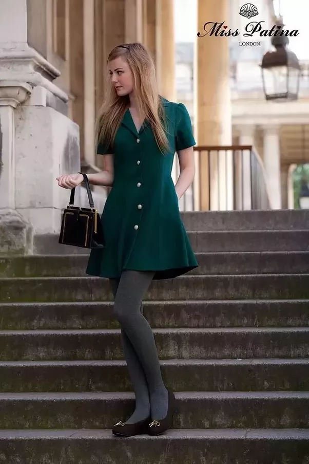 What Color Tights Should I Wear With A Green Dress Quora
