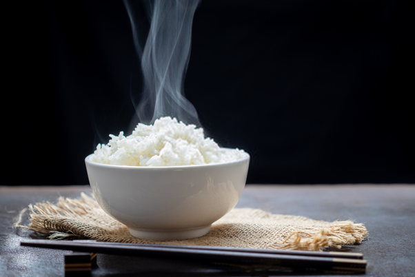 Does eating white rice cause belly fat