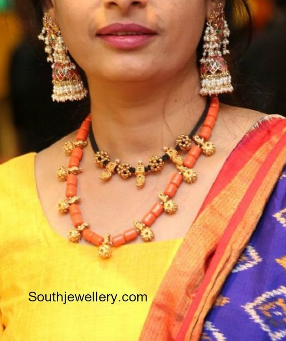 Silk Saree Beads: Which Colour Of Jewelry Is Best For A Yellow Sari?