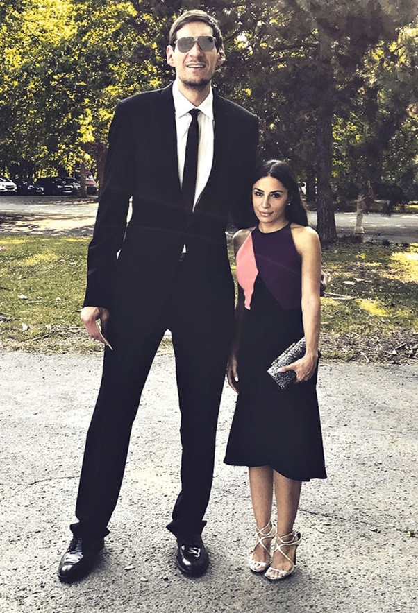 What Couple Has The Biggest Height Difference Quora