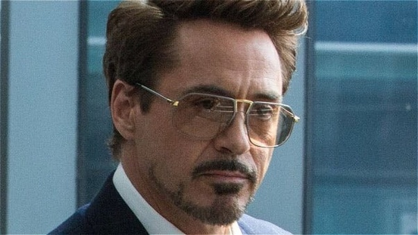 How did Tony Stark obtain the Infinity Stones from the gauntlet on