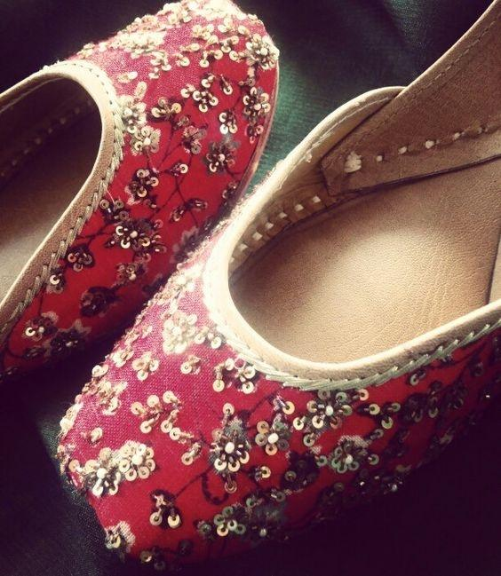 Which Types Of Footwear Should I Wear With Saree Quora
