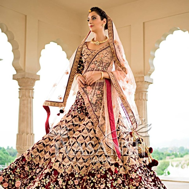 be2fb7a68df1 Weddingdoers is the best place to Buy Designer Bridal Lehenga Online India.