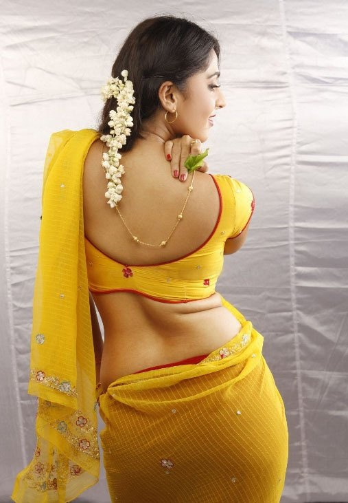 A You May Only Find Such Saree Draping Style In Films Or Tv Shows