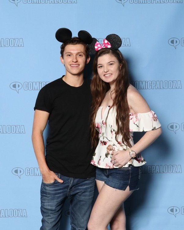 Why are so many young girls obsessed with Tom Holland? - Quora