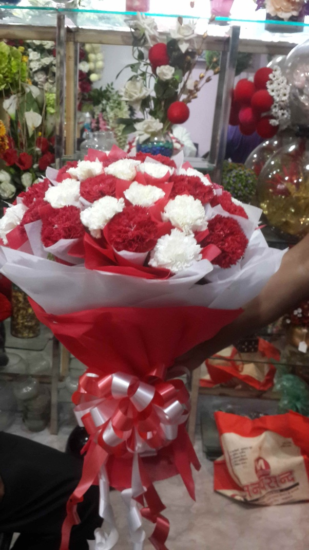 Send Flowers And Cake Online In Hyderabad
