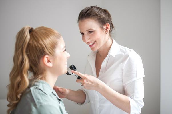 Who is a good dermatologist in Noida/Delhi? - Quora