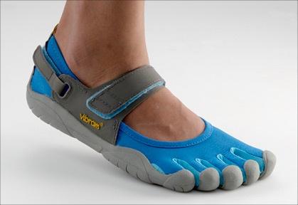 square shaped toe sandals