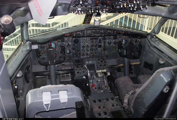 Would a pilot who was originally trained to pilot a Boeing 737-200