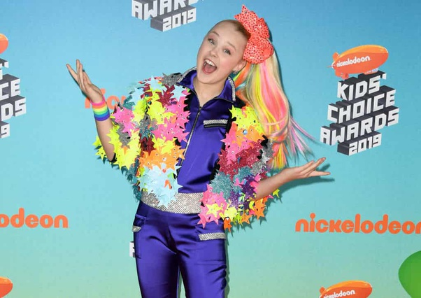 Why Is There A Trend On Teens Making Fun Of Jojo Siwa The Child Star And Her Style On Social Media It Seems Like Wearing Clothes From Justice Or Children S Place Will