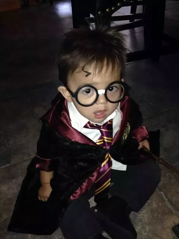 What are some easy homemade harry potter costume ideas quora dress up your toddler as a cute baby harry potter in this adorable halloween costume solutioingenieria Choice Image