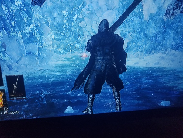 What are some tips on how to use Ultra Greatswords in Dark Souls 3