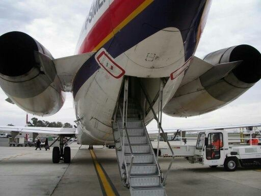 Why Do 727s Have Such Short Landing Gear Quora