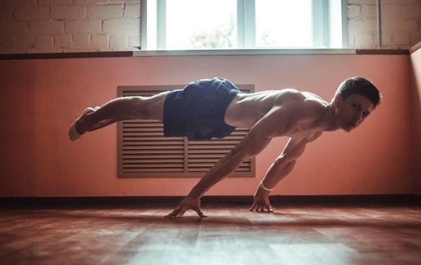 What are the most effective calisthenics exercises for
