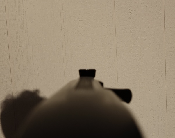 Why are peep sights considered better than notch and post