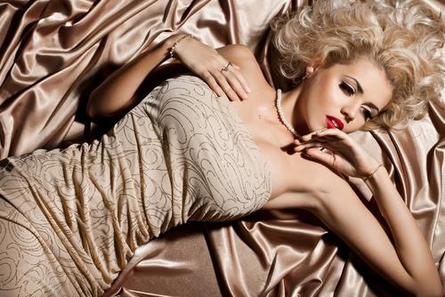 Body-to-body-massage Body to