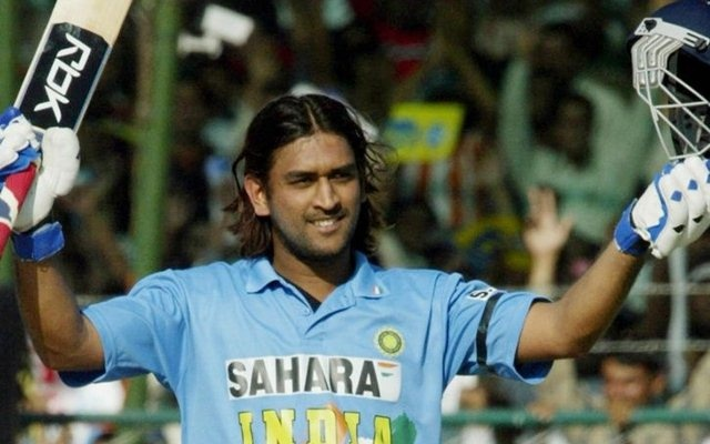 Do you agree with the people who say that Dhoni can't hit sixes ...