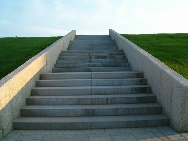 How many flights of stairs equal a mile? - Quora
