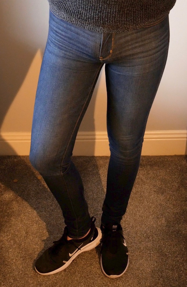What are some tips for guys to wear a low rise skinny jeans and rock it? - Quora