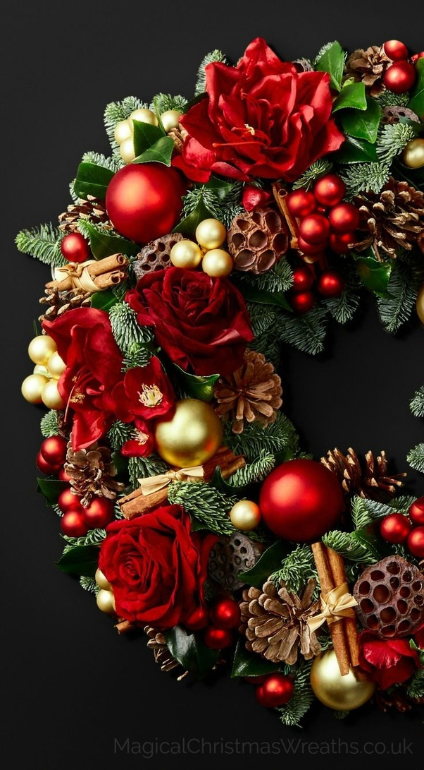Now Coming to the best and Most Symoblic Christmas decoration Ideas is the Wreath: Christmas wreath was used to symbolize Christ.