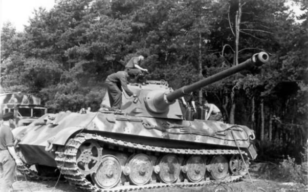 What were some Eastern Front paint schemes for King Tiger