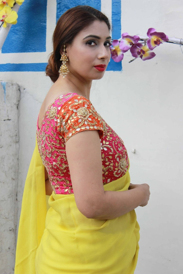 a661f86df08e2 Which colour blouse will suit for a lemon yellow saree  - Quora