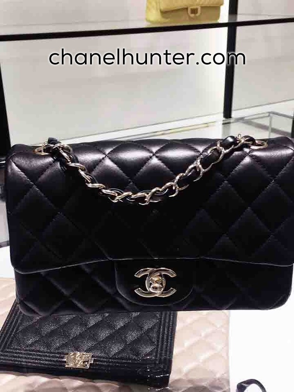 When you purchase a Chanel Replica bags at ChanelHunter.com, be sure to find the same details with very high levels of accuracy!