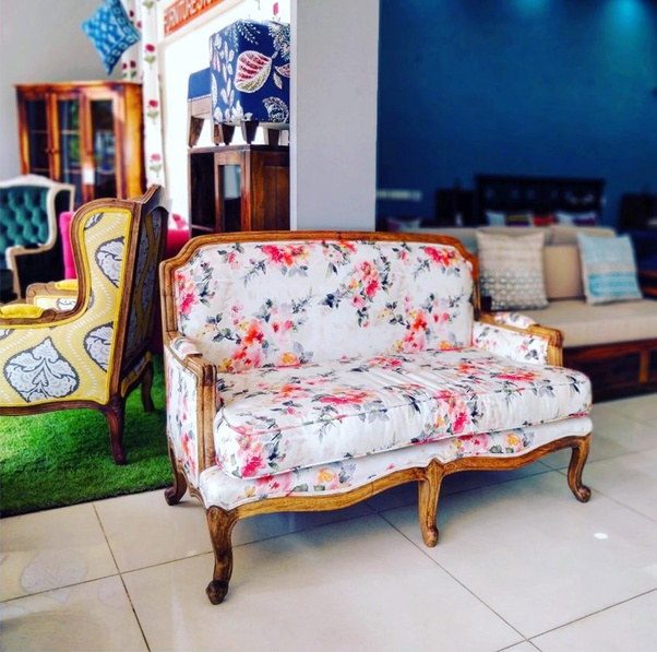 I Am Looking For Luxurious Traditional Style Furniture