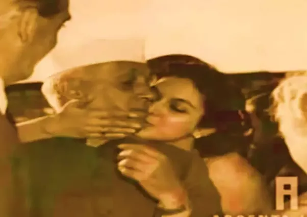 Gandhi Slept With Naked Girls