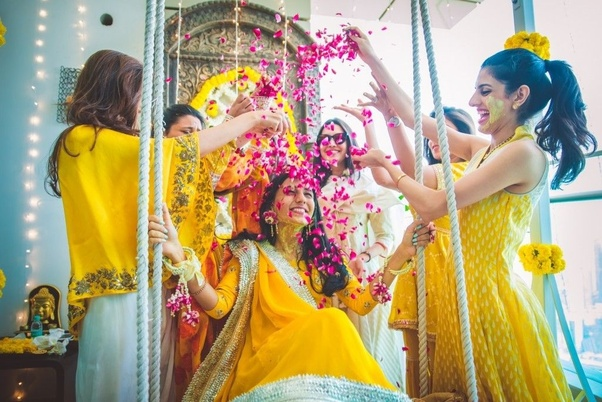 Mehendi Ceremony Look : In an indian wedding should the haldi ceremony take place before or