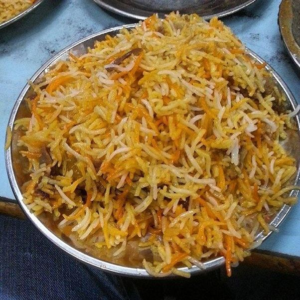 What are the differences between hyderabadi biryani and lucknow lucknowi biryani is also called awadh biryaniits a cooked biryani both the meat and rice are cooked separately and then layered and baked forumfinder Images