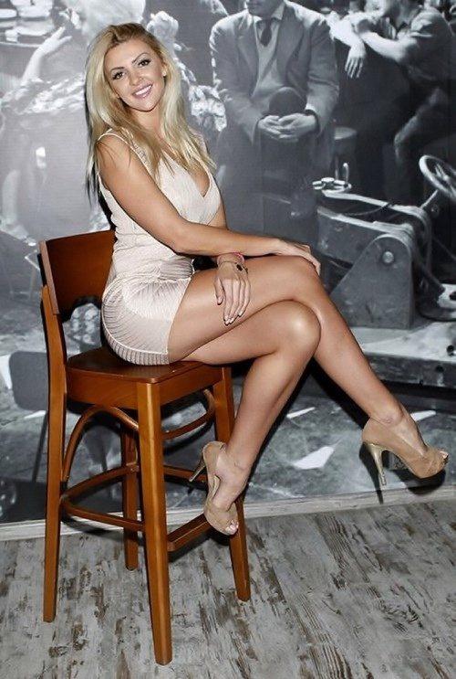 Why do women cross their legs when sitting? | SoSuave ...